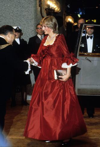 Фото №23 - Стильное положение: как одеваются беременные королевы, принцессы и герцогини