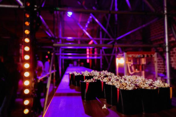 Фото №6 - Богемская кино-рапсодия: премьеры, знаменитости и попкорн на вечеринке ivi open night