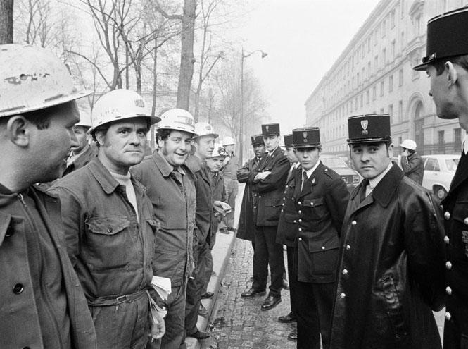 Фото №9 - Смутное время: как королевская семья справлялась с кризисом в 1960-е и 1970-е годы