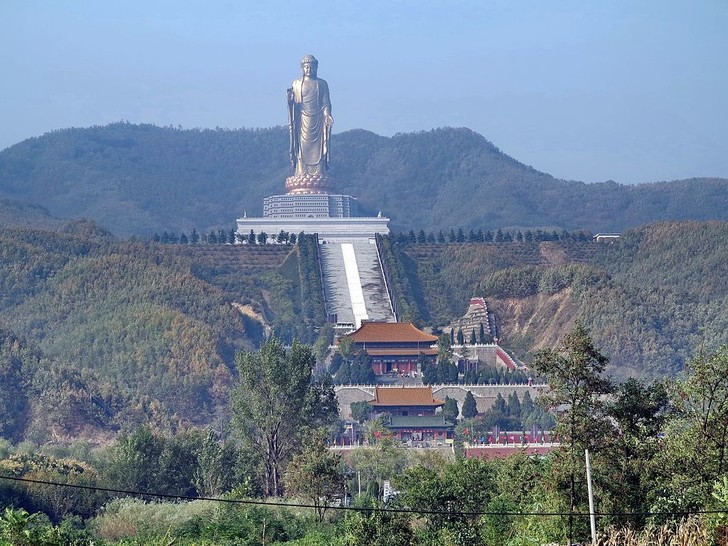 Фото №2 - К ним не зарастет: самые большие статуи в мире и зачем их поставили