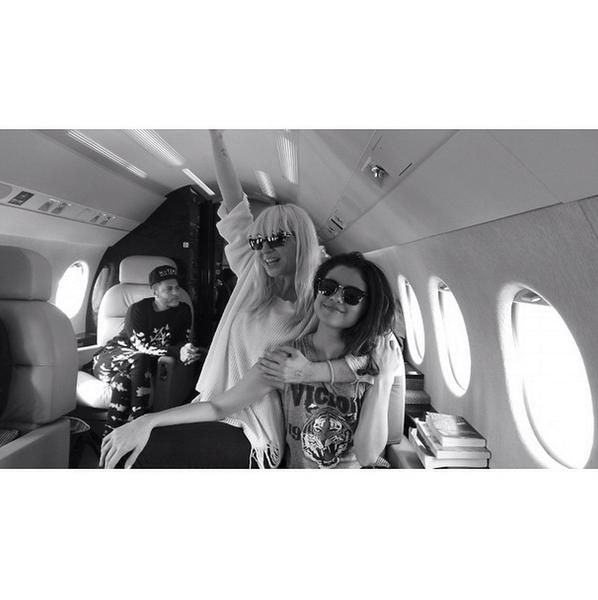 Фото №6 - Звездный Instagram: Знаменитости и самолеты
