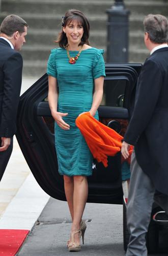 Фото №15 - Свадебный королевский этикет: что можно и чего нельзя делать на бракосочетании Гарри и Меган
