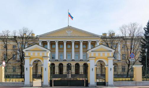 Фото №1 - Власти Петербурга не нашли необходимости дополнительного развертывания коек в федеральных медучреждениях для борьбы с COVID-19