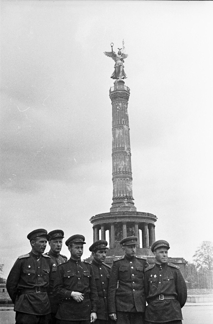 Фото №12 - Покоренный Берлин глазами военного фотографа: репортаж из мая 1945-го