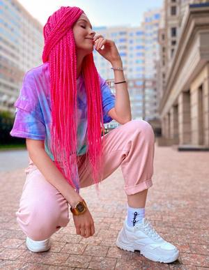 Фото №4 - TikTok style: разбираем гардероб девочек из Sweet House