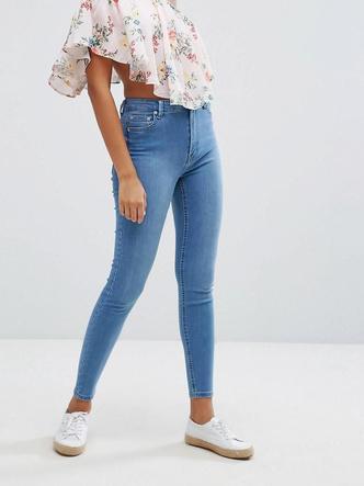 Фото №10 - Какие джинсы носить осенью 2020: 7 главных трендов