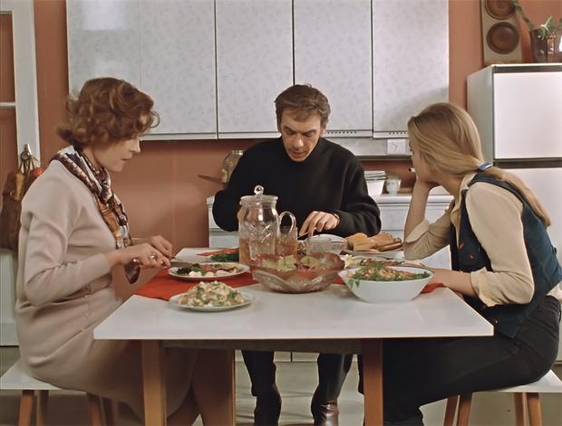 Фото №3 - 10 советских фильмов, которые надо показать иностранцу или пришельцу