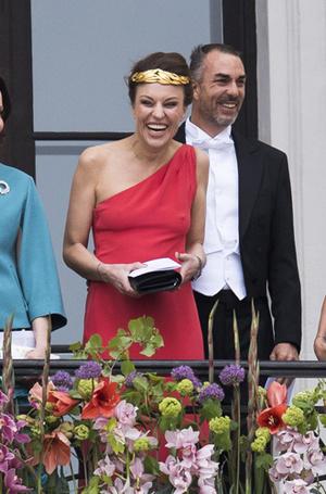 Фото №4 - Забавы королевского двора: самые интересные моменты юбилея Харальда и Сони