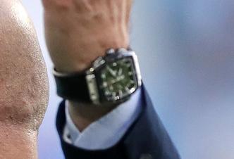 Фото №3 - Круче, чем у Моргенштерна: часы Станислава Черчесова стоят как квартира в Санкт-Петербурге