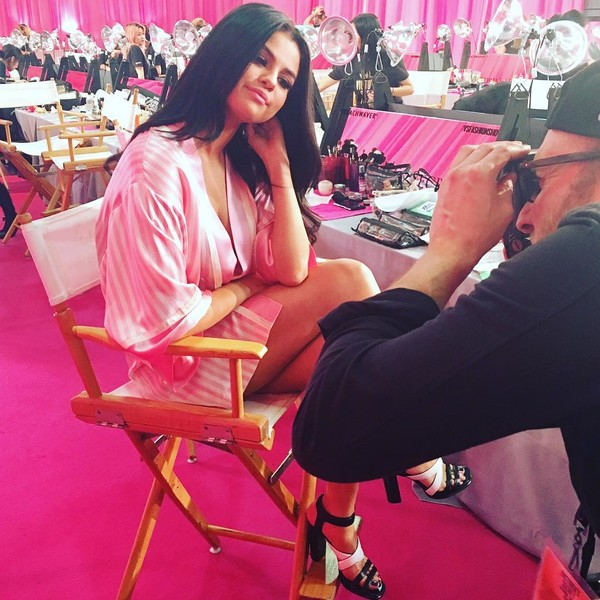 Фото №3 - Селена Гомес зажгла на шоу Victoria's Secret