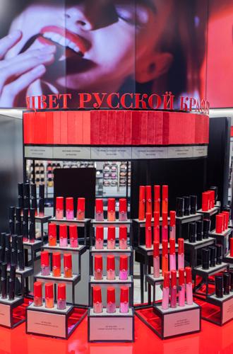 Фото №4 - Первый в Европе: в Москве открылся парфюмерно-косметический бутик Giorgio Armani Beauty