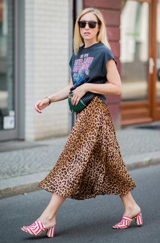 Фото №8 - С чем носить миди-юбки: 6 сочетаний, которые нужно попробовать