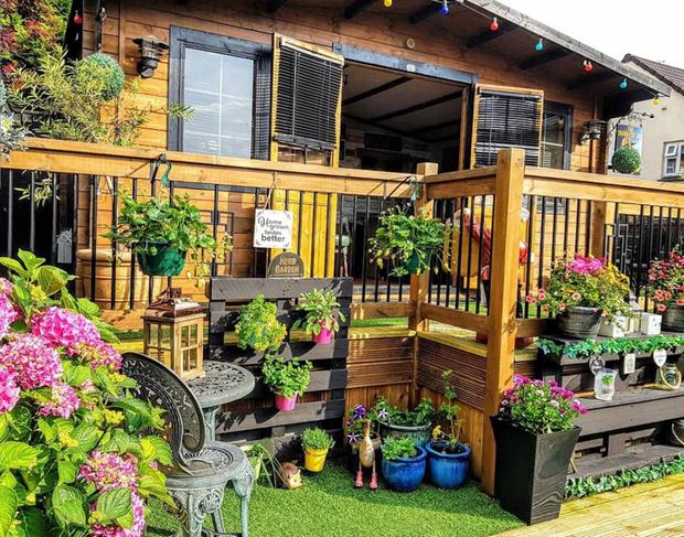 Фото №2 - Жительница Великобритании построила в саду настоящий паб, чтобы муж больше не пропадал по кабакам (фото)