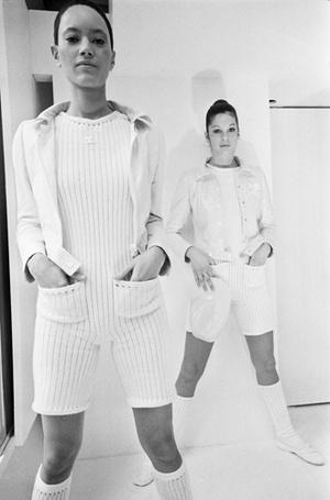 Фото №7 - Единое целое: как носить модные комбинезоны