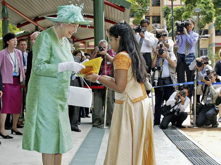 Фото №11 - Секреты Елизаветы: 8 новых историй о гардеробе Королевы