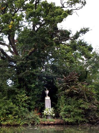 Фото №14 - От королевы Виктории до принцессы Дианы: где похоронены члены королевской семьи