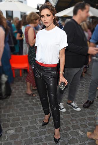 Фото №30 - Штрипки, карго и палаццо: 5 самых модных брюк сезона