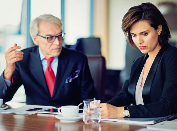 Фото №3 - Лесть или игнор: 10 эффективных способов борьбы с буллингом на работе