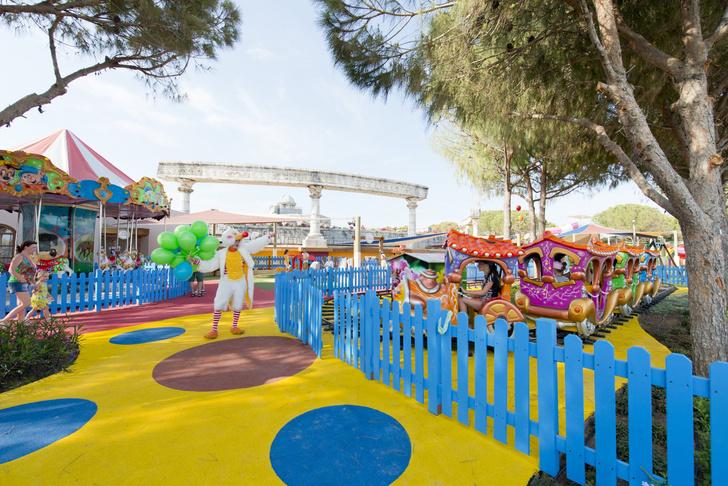 Фото №2 - Где отдохнуть с детьми за границей: 3 турецких курорта с авторскими мини-клубами