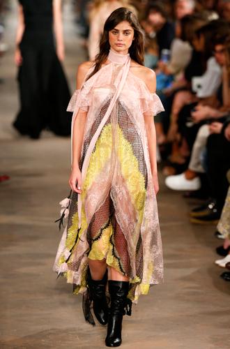 Фото №12 - 10 весенних трендов с Недели моды в Милане