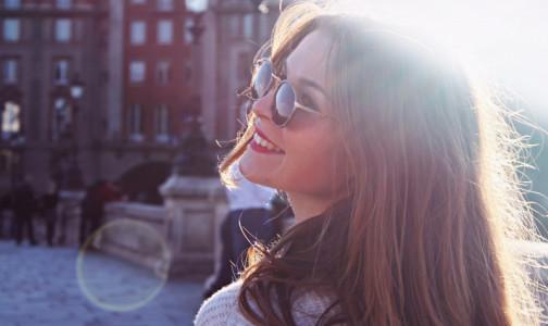 Фото №1 - Офтальмолог рассказала, как солнцезащитные очки вредят глазам