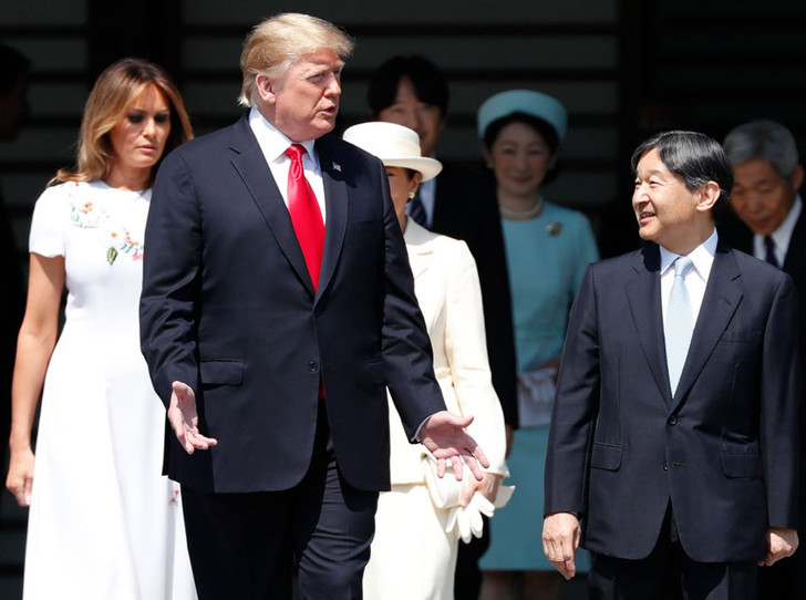 Фото №1 - Дональд и Мелания Трамп прилетели в Японию