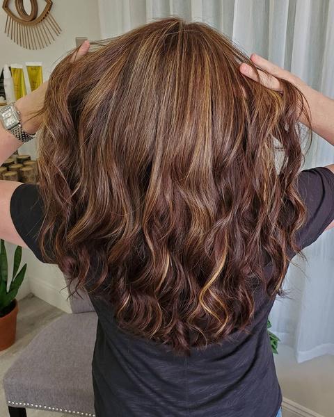 Фото №3 - Как придать объем волосам: лучшие лайфхаки для пышной прически