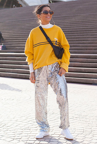 Фото №3 - Группа блестящих: как носить пайетки, стразы и люрекс повседневно