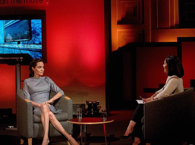 Фото №9 - Чем занимается Анджелина Джоли сегодня