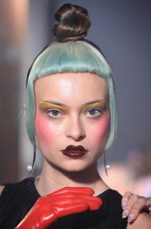 Фото №15 - New pink: 5 трендов «розового» макияжа, которые хочется повторить