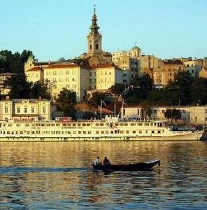 Фото №1 - Сербия отменит визы для русских