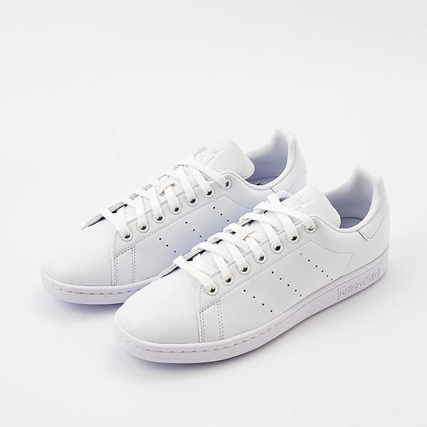Стильные кеды 2021, модные кеды, женская обувь, женский кеды и кроссовки, купить кроссовки, купить кеды, с чем носить кеды, кроссовки на каждый день, кеды для стильного образа, самые модные кеды и кроссовки этого сезона