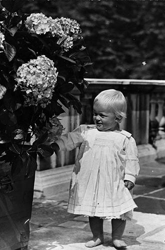 Фото №3 - Молодой принц Филипп: редкие и забытые фото супруга Елизаветы II
