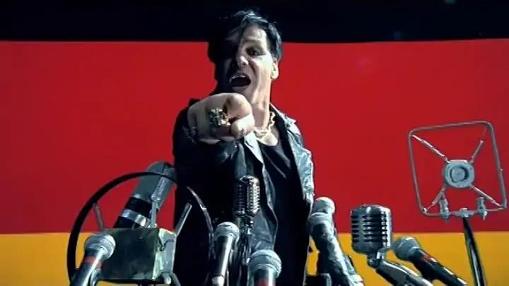 Фото №1 - Реакция соцсетей на приговор за репост клипа Rammstein в шутках и мемах