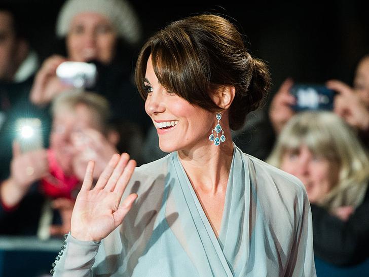 Фото №3 - От герцогини Кейт до кронпринцессы Мэри: как королевские особы носят топазы