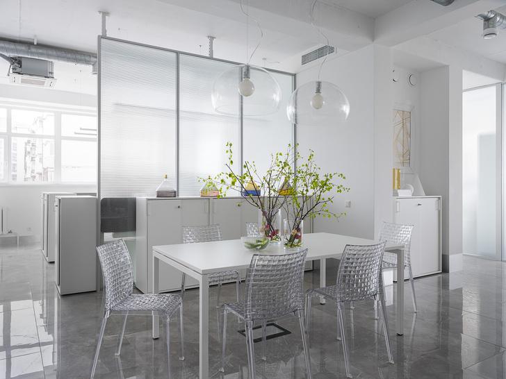 Фото №1 - Белое золото: офис в Перми
