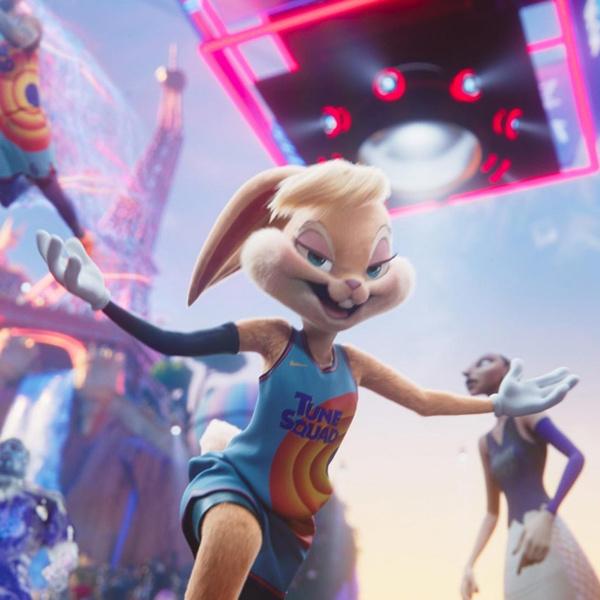 Фото №1 - Лола Банни XXI века: режиссер «Космического джема 2» рассказал, почему крольчиха потеряла сексуальность