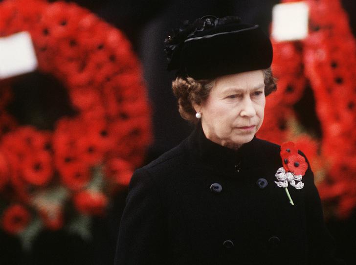 Фото №1 - О чем жалеет Королева: самая большая ошибка Елизаветы