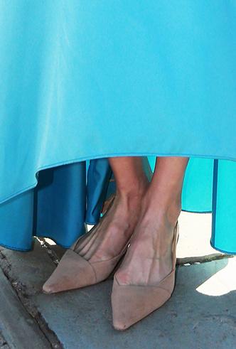 Фото №15 - Обувь и платье на праздник: 7 новых (и неожиданных) правил сочетания