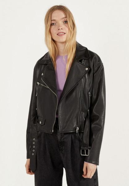 Фото №2 - Какую куртку выбрать на весну: 10 самых модных вариантов