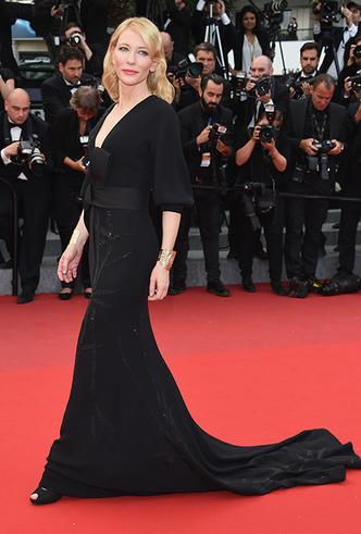 Фото №55 - Королева Канн: Кейт Бланшетт и ее модные образы за всю историю кинофестиваля