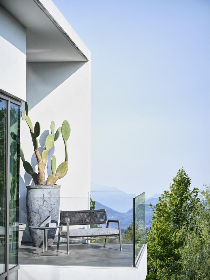 Фото №5 - Зеленый оазис: мебель и аксессуары для балконов и террас