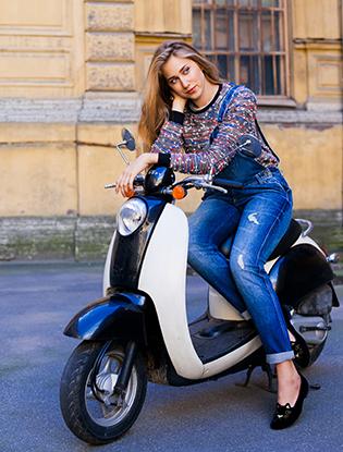 Фото №6 - Российские It-girls и блогеры снялись в лукбуке Lee®
