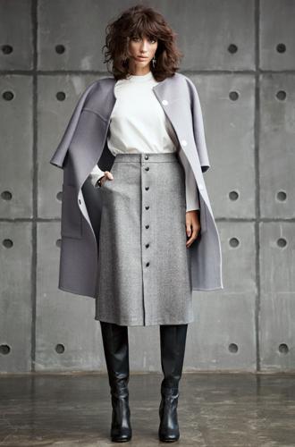Фото №2 - Девушка в городе: Lookbook новой коллекции The Robe