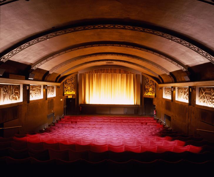 Фото №1 - Названа дата открытия российских кинотеатров