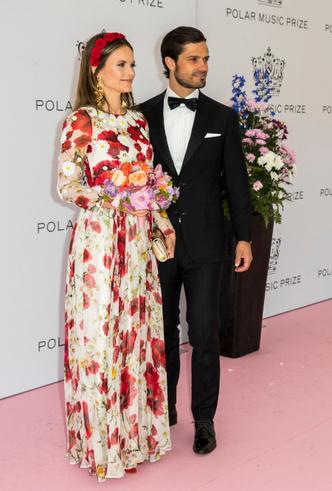 Фото №8 - Модный букет: как королевские особы носят цветочный принт
