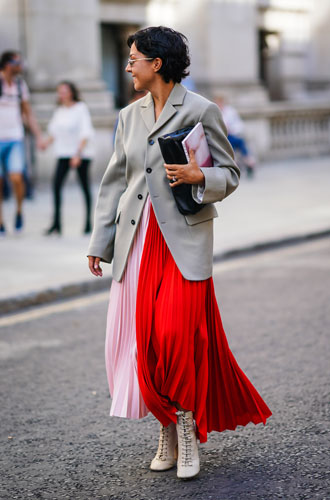 Фото №10 - Как разнообразить деловой дресс-код: простые советы стилиста