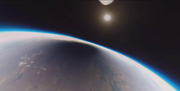 Фото №1 - Вот как выглядит солнечное затмение из космоса (видео)