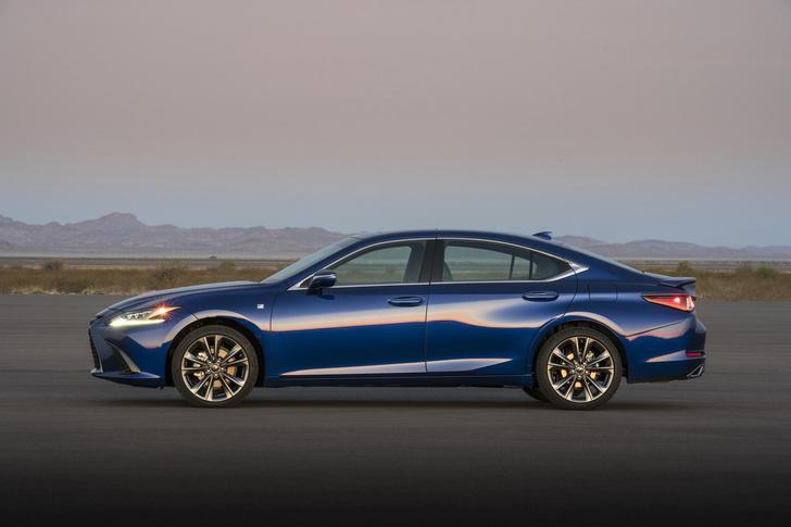 Фото №4 - Пять причин полюбить Lexus ES350
