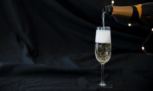 Фото №1 - Эксперты рассказали, как выбрать правильное шампанское к новогоднему столу